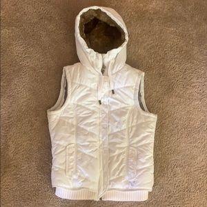 White winter vest with fur hood, size medium